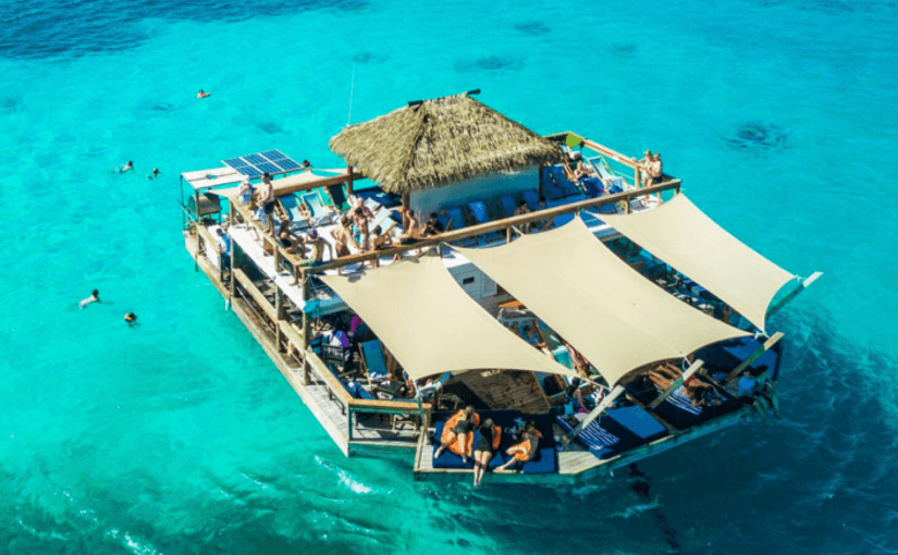 Cloud 9 Floating Bar